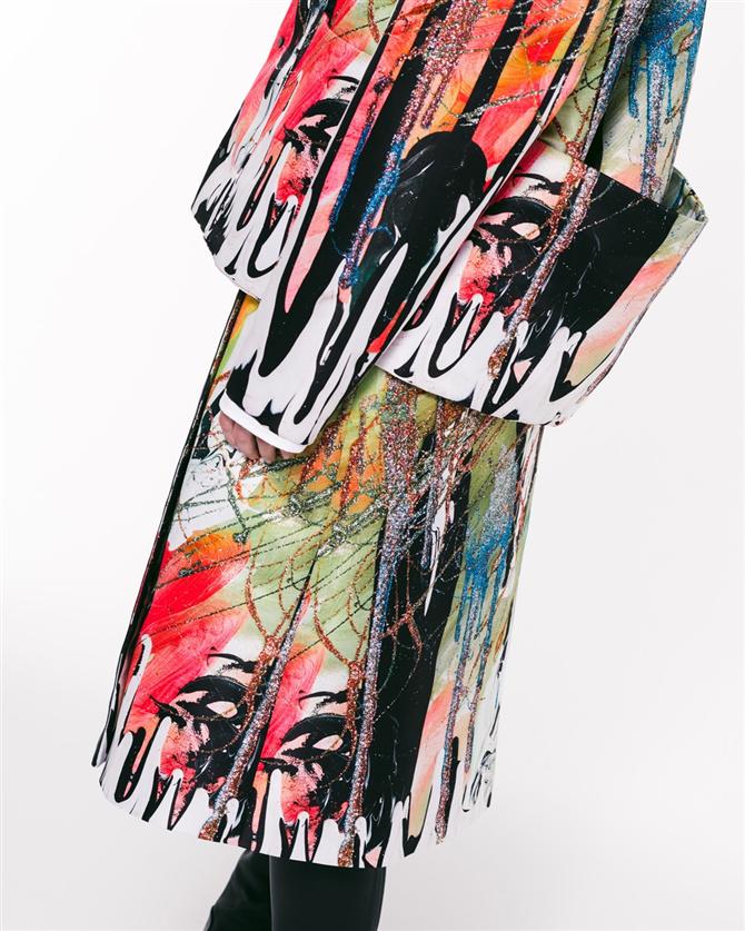 Simli Tablolardan Tasarıma: Christopher Kane İlkbahar/Yaz 2021 Koleksiyonu - Simli Tablolardan Tasarıma: Christopher Kane İlkbahar/Yaz 2021 Koleksiyonu