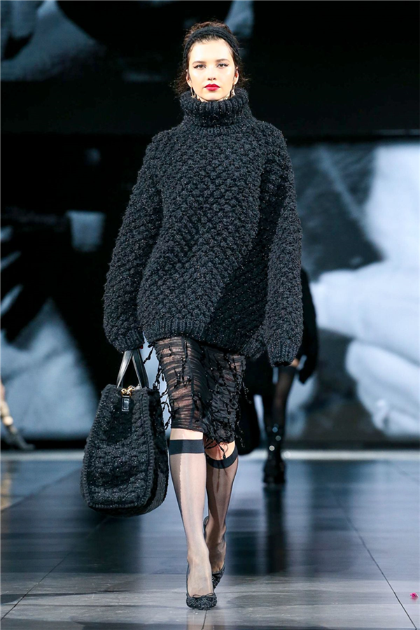 Siyahın Cezbeden Hali: Dolce & Gabbana Sonbahar/Kış 2020 Koleksiyonu - Siyahın Cezbeden Hali: Dolce&Gabbana Sonbahar/Kış 2020 Koleksiyonu