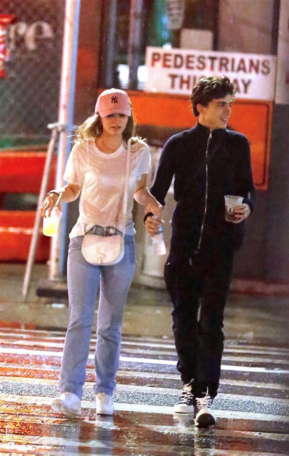 Sürpriz Genç Aşıklar: Timothee Chalamet ve Lily-Rose Depp