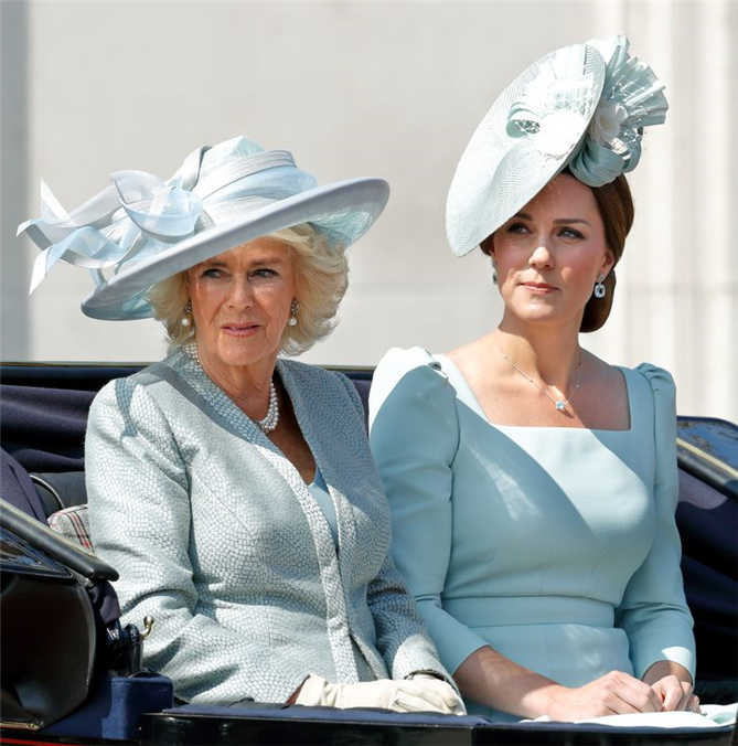 Kate Middleton Ve Camilla Parker