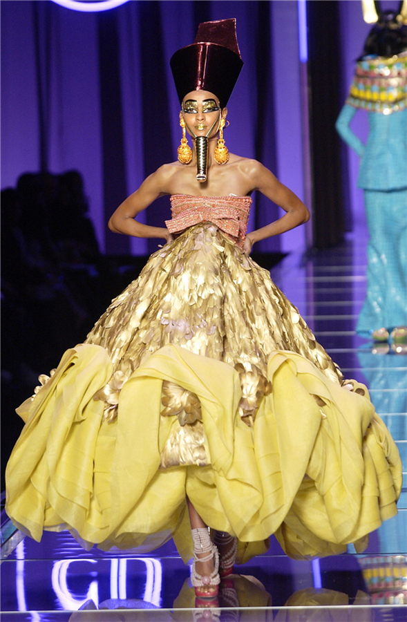 Tarihe Damgasını Vuran Unutulmaz Dior Tasarımları