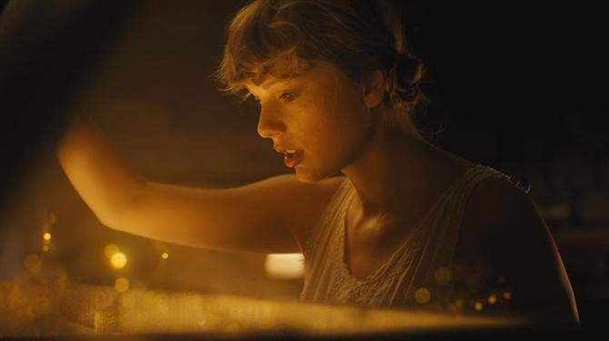 Taylor Swift, Folklore Albümü İçin Kendi Saç ve Makyajını Yaptı - Taylor Swift, Folklore Albümü İçin Kendi Saç ve Makyajını Yaptı