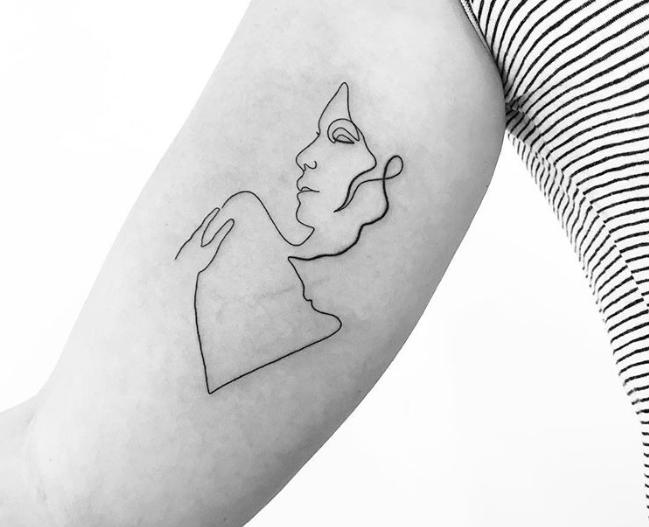 Tek Çizgi Dövme Modelleriyle Tanışın