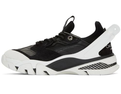 """Trend Alarmı: """"hantal baba sneakerları"""""""