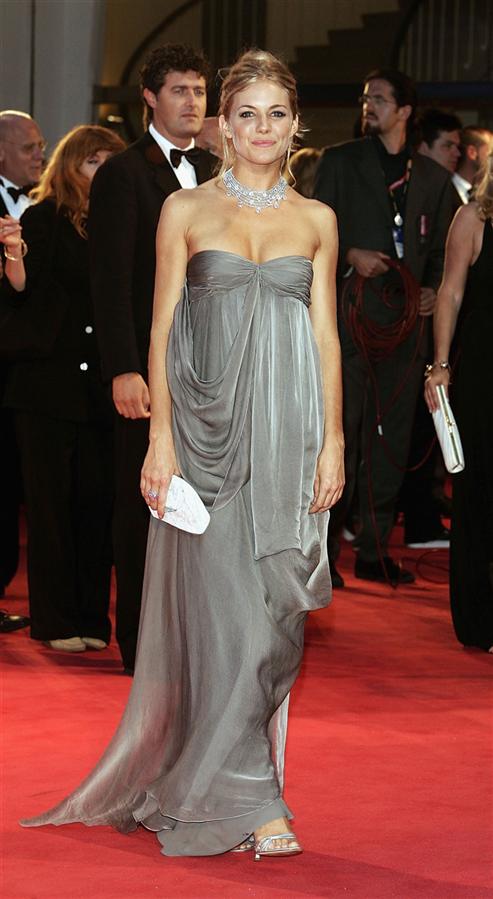 #TrendusTBT: Bir Dönemin Stil İkonu Sienna Miller'ın Unutulmaz Görünümleri - #TrendusTBT: Bir Dönemin Stil İkonu Sienna Miller'ın Unutulmaz Görünümleri