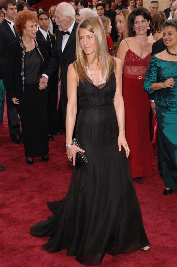 #TrendusTBT: Geçmişten Günümüze Jennifer Aniston'ın Stil Görünümleri