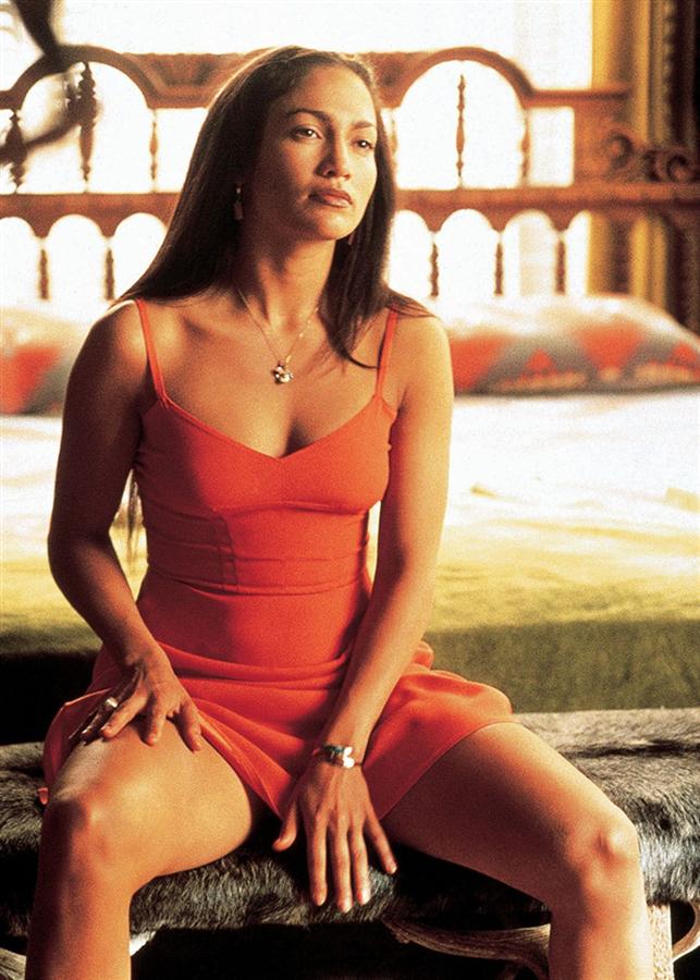 #TrendusTBT: Jennifer Lopez'in Filmlerden Unutulmaz Stil Görünümleri