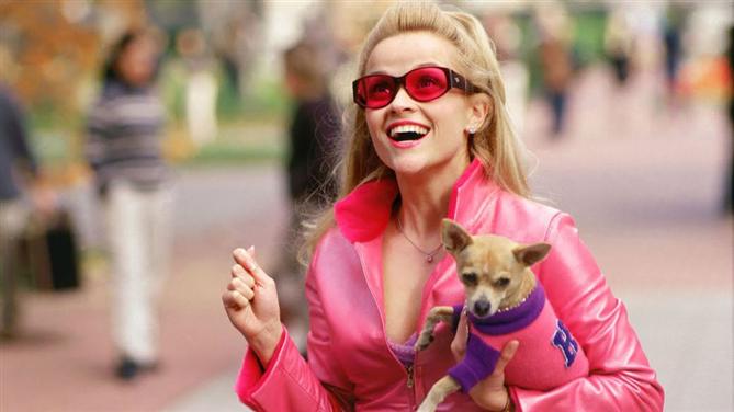 """#TrendusTBT: """"Legally Blonde"""" Film Serisinden Unutulmaz Stil Görünümleri"""