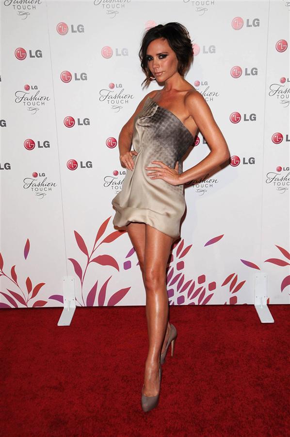 #TrendusTBT: Victoria Beckham'ın Hafızalardan Çıkmayan Görünümleri