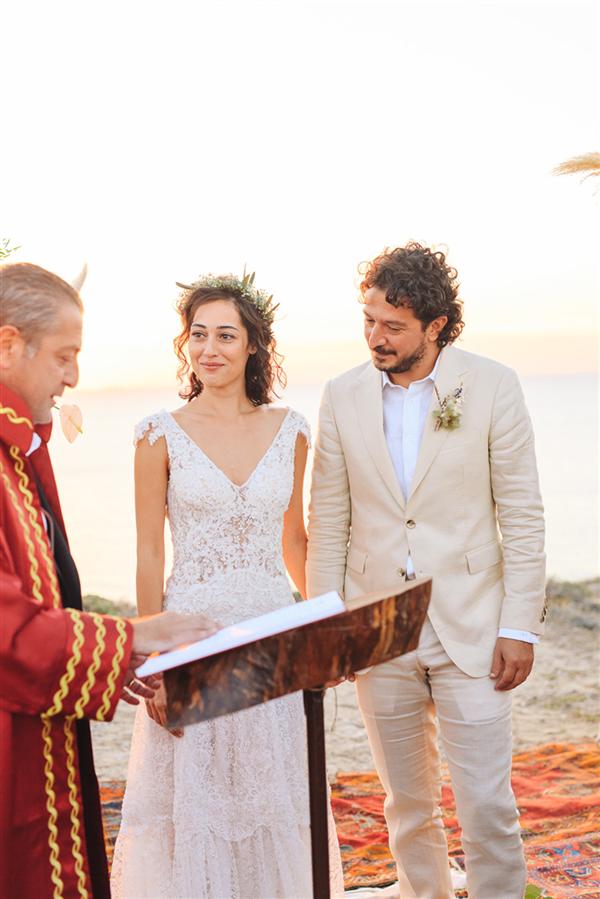 Tuğçe Altuğ ve Tolga Karaçelik'in Romantik Düğünü