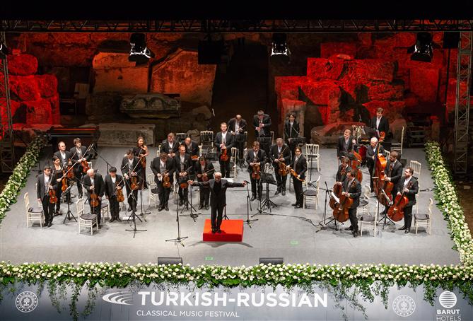 Türk Rus Klasik Müzik Festivali, Antalya Side Antik Tiyatrosu'nda Başladı - Türk Rus Klasik Müzik Festivali, Antalya Side Antik Tiyatrosu'nda Başladı
