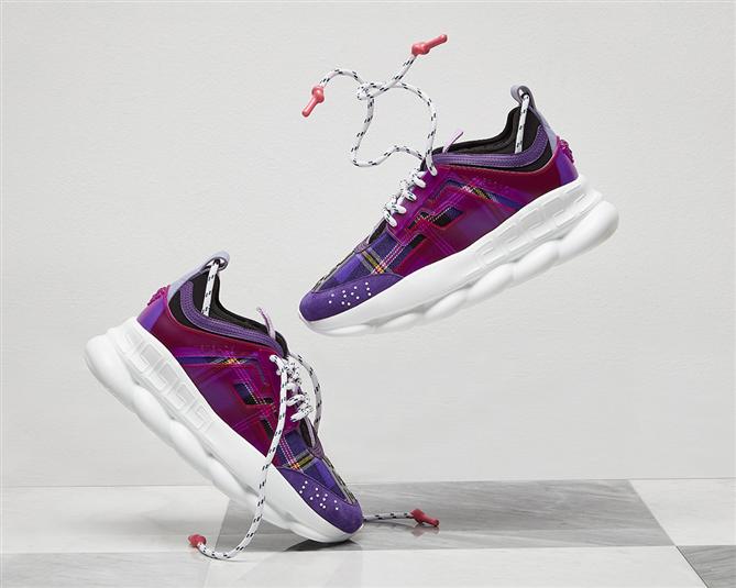 Ugly Sneaker Trendine Versace de Katıldı