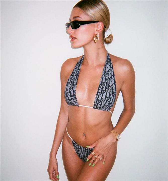 Hailey Baldwin - Ünlü Güzellerin 2020 Bikini ve Mayo Stillerinden İlham Alın