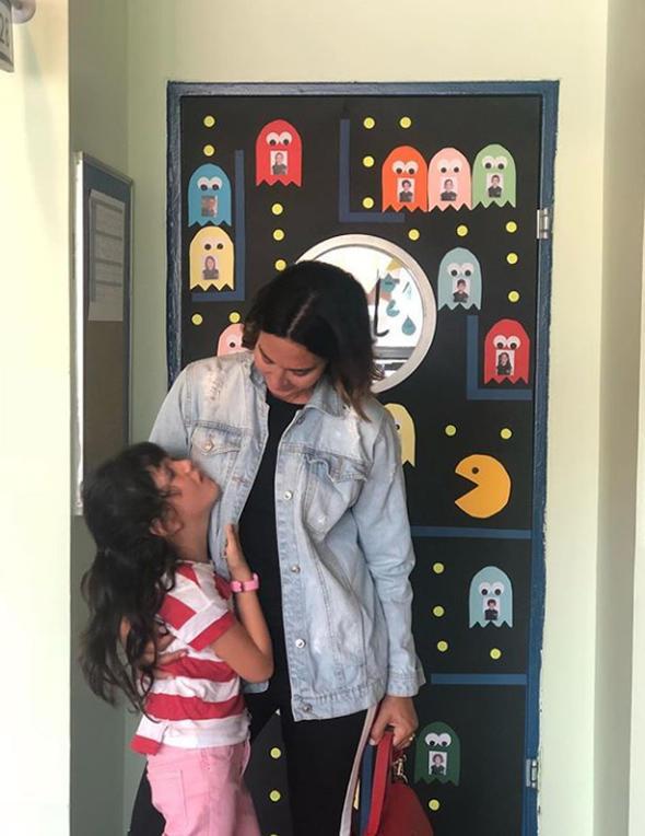 Ayşe Tolga ve kızı