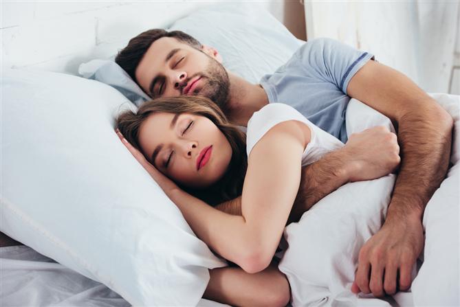 Uyku Pozisyonunuz İlişkiniz ve Seks Hayatınızla İlgili Ne Söylüyor?