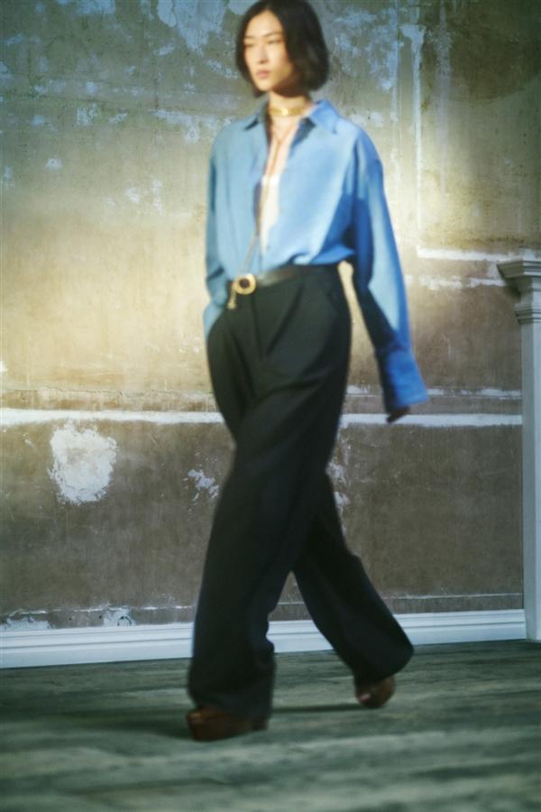 Victoria Beckham İlkbahar/ Yaz 2022 Koleksiyonundan Elegan Tasarımlar - Victoria Beckham İlkbahar/ Yaz 2022 Koleksiyonundan Elegan Tasarımlar