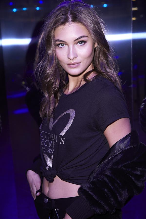 Victoria's Secret'ın En Yeni Meleği Grace Elizabeth - Victoria's Secret'ın En Yeni Meleği Grace Elizabeth