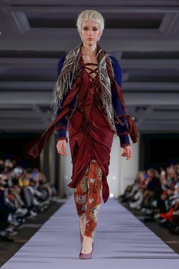 Vivienne Westwood Sonbahar/Kış 2019 Koleksiyonundan Çılgın Tasarımlar