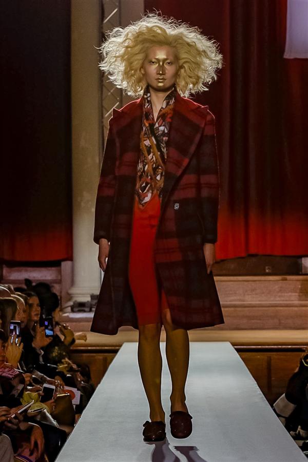 Vivienne Westwood Sonbahar/Kış 2019 Tasarımlarından Öne Çıkanlar