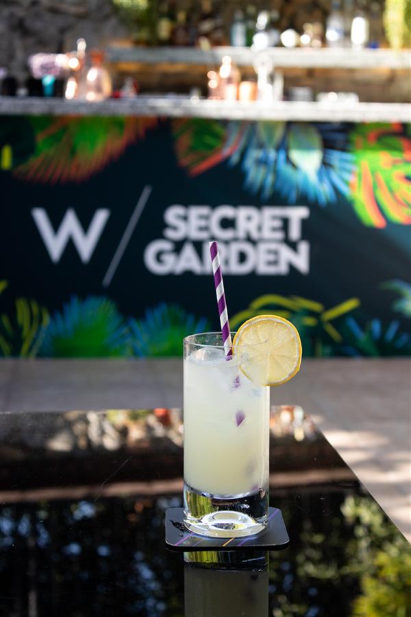 W Secret Garden'da Parti Devam Ediyor - W Secret Garden'da Parti Devam Ediyor