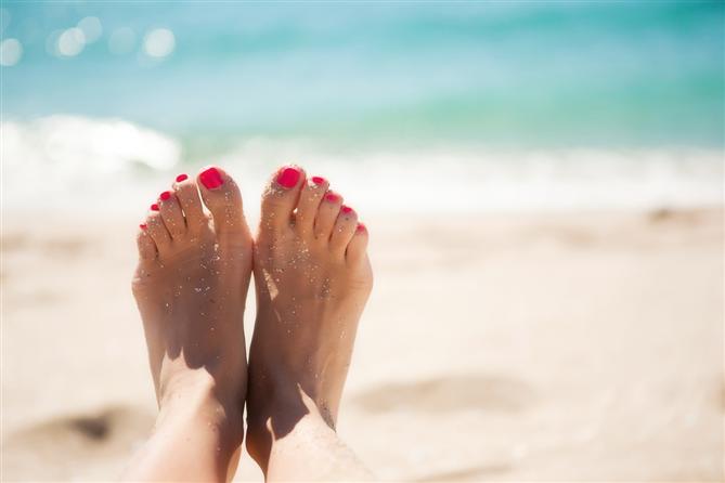 Yazın Bakımlı Ayaklara Kavuşmanızı Sağlayacak 3 Etkili Tarif