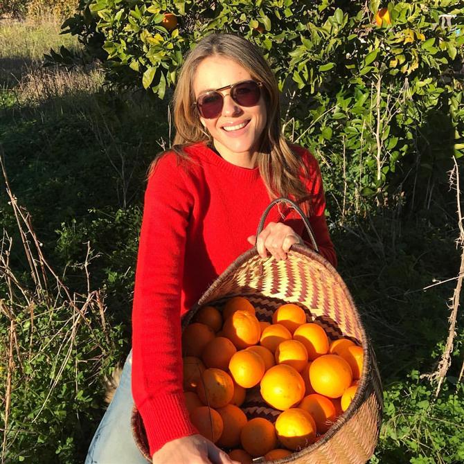 Zamana Meydan Okuyan Elizabeth Hurley'in Güzellik ve Egzersiz Sırları