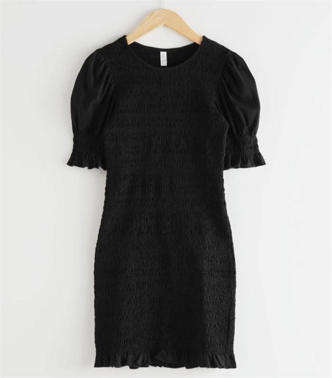 Zamansız Bir Stil İçin 2020 Yazının En İyi Küçük Siyah Elbiseleri