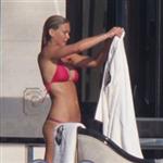 bar-refaeli-bikinili