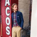 Dockers`ın yeni tasarımı Fillmore Khaki pantolonlar