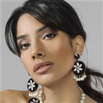 Pınar Özevlat'ın Oyalar ve Swarovski Taşları Bir Araya Getiren Takıları