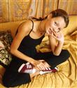 adidas Originals'ın Gazelle'i Kate Moss ile Geri Dönüyor
