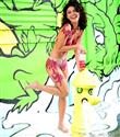 Jessica Szohr vücut boyasıyla kamera karşısında!