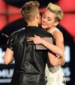 Justin Bieber ve Miley Cyrus birlikte mi?