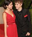 Justin Bieber ve Selena Gomez öpüştü