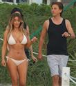 Kim Kardashian bikiniyle poz verdi
