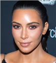 Kim Kardashian Makyaj Rutinini Canlı Olarak Paylaştı