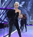 Lady Gaga'dan Milyon Dolarlık Şapka