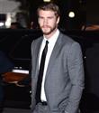 Liam Hemsworth yeni kız arkadaşıyla