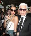 Rihanna Chanel`in yüzü olmuyor