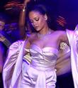 Rihanna, Elvis'in Rekorunu Kırdı