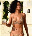 Rihanna`nın Swarovski taşlı bikinisi