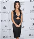 Selena Gomez`in iddialı elbisesi beğenilmedi